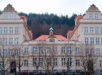 školní budova po rekonstrukci v roce 2004